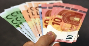 Un crédit de 5000 euros sans fiche de paie, est-ce possible ?