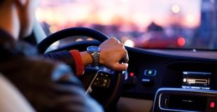 Comment trouver un crédit auto à 18 ans ? Quelle banque pour un jeune conducteur ?