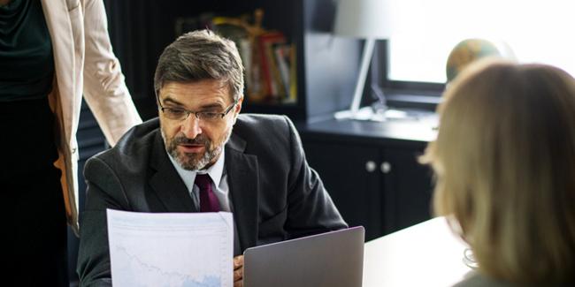 Avantages et inconvénients du courtier en rachat de crédit