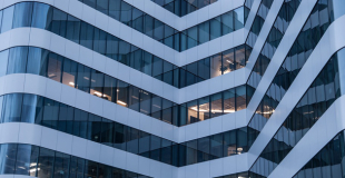 Quels sont les organismes de rachat de crédit ? Est-ce exclusivement les banques ?