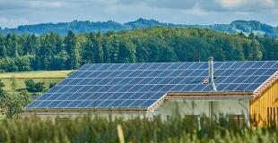 Rachat de crédit photovoltaïque : explications